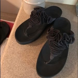 RARE Funky Navy Blue Fitflops-9